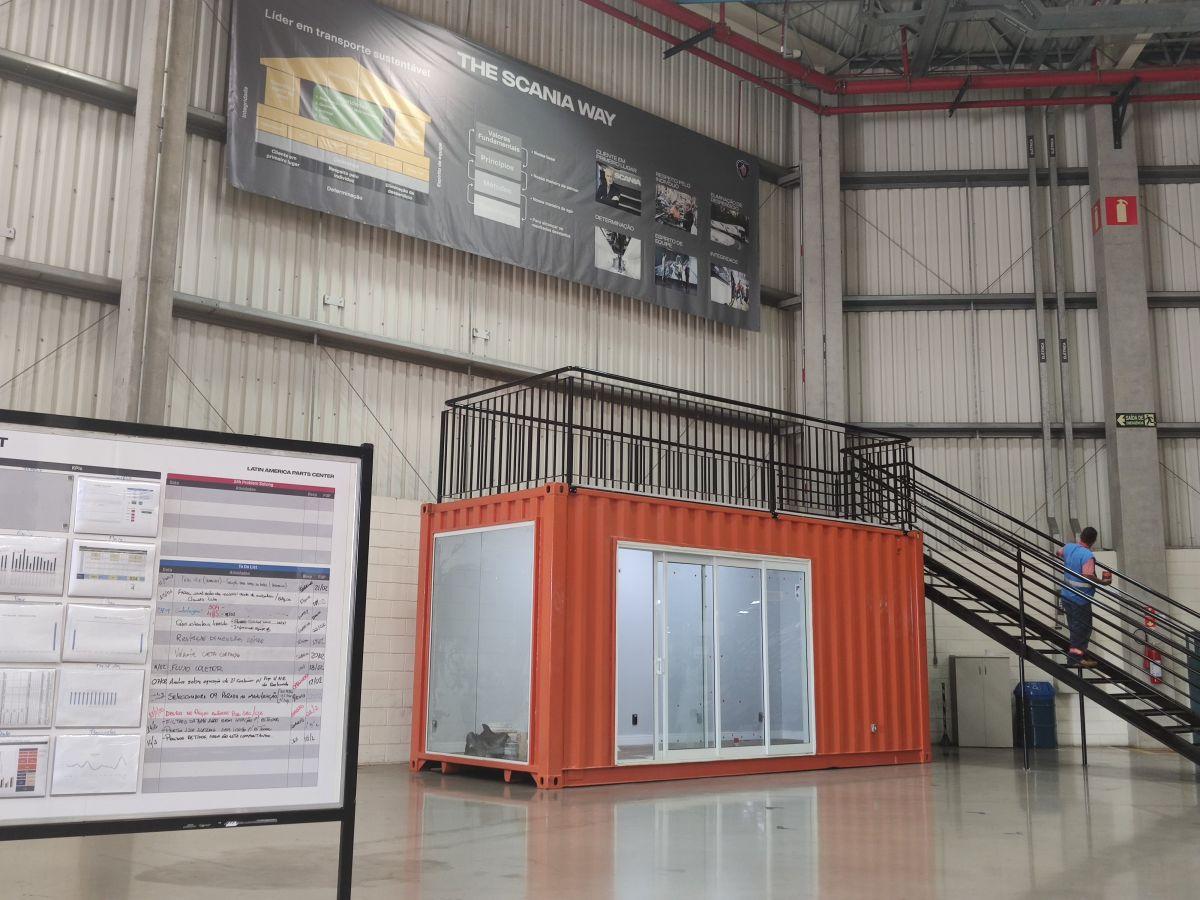Container Stand de Vendas 20 pés / Container escritório / Container sala de reunião  Scania Latin América ( Projete  janeiro 2020)